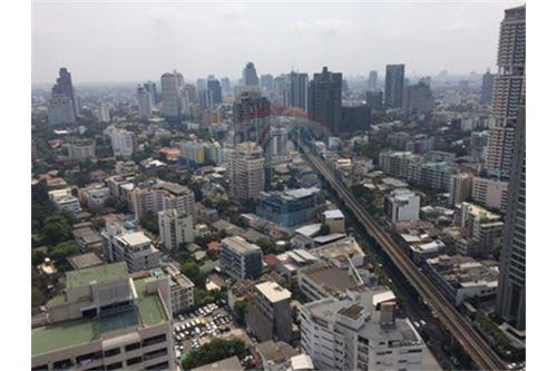 RE/MAX Properties Agency's FOR SALE  THE MADISON SUKHUMVIT 41   4BED 290SQM 10