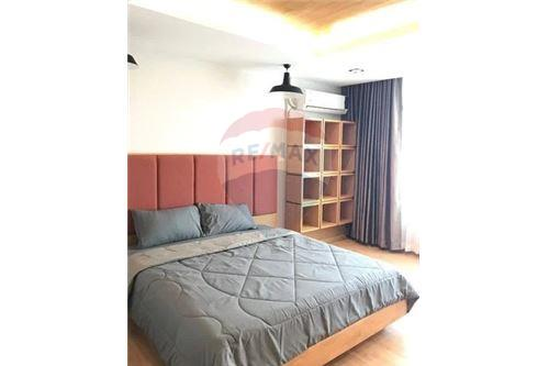 RE/MAX Executive Homes Agency's Lovely 2 Bedroom for Sale Chamchuri Square 2