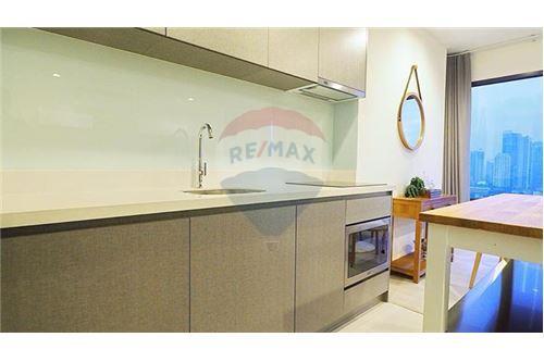RE/MAX Properties Agency's Rhythm Sukhumvit 36-38 2 BED 88 Sqm. 21