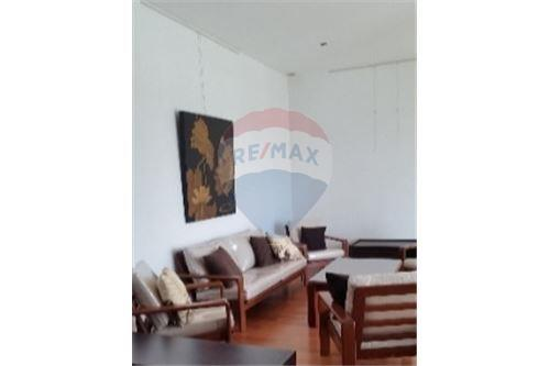 RE/MAX Executive Homes Agency's Spacious 2 Bedroom for Rent Lofts Yennakart 3