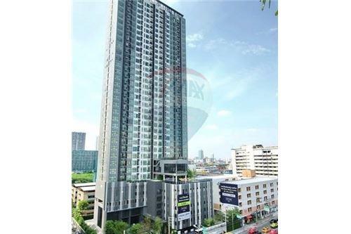 RE/MAX Executive Homes Agency's Nice 1 Bedroom for Sale Rhythm Asoke 1