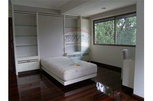 RE/MAX Executive Homes Agency's Single House with Big Garden in Thonglor 8