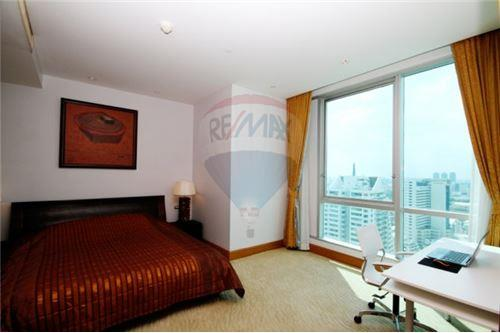 RE/MAX Executive Homes Agency's Nice 2 Bedroom for Rent Sky Villa Sathorn 1