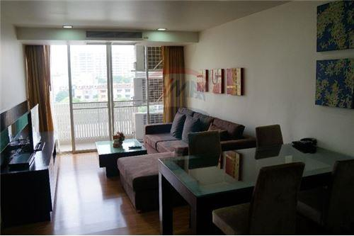 RE/MAX Executive Homes Agency's Nice 2 Bedroom for Sale Alcove Thonglor 1