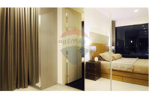 RE/MAX Properties Agency's Rhythm Sukhumvit 36-38 2 BED 88 Sqm. 18