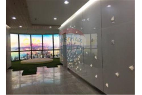 RE/MAX Properties Agency's PS Tower Penthouse Office 635.70SQM. 1