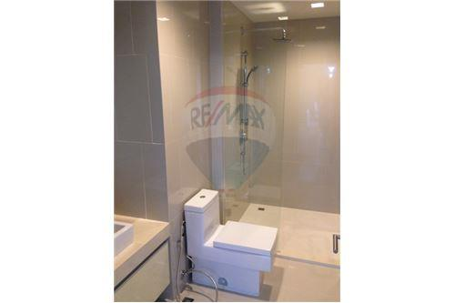 RE/MAX Executive Homes Agency's Hyde Sukhumvit 13 / 2 Bedrooms / For RENT 8