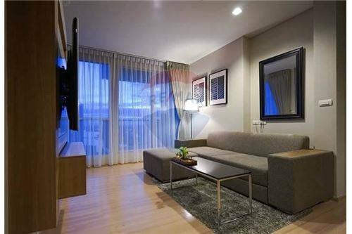 RE/MAX Executive Homes Agency's Rhythm Sathorn for rent 3