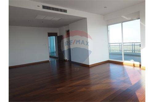 RE/MAX Properties Agency's RENT Supalai Prima Riva 4BED 355.55SQM. 8