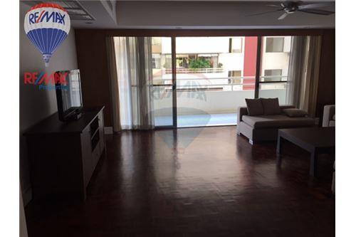 RE/MAX Properties Agency's RENT Phirom Garden Residence 4BED 330SQM. 2