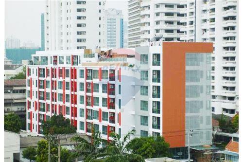 RE/MAX Properties Agency's RENT Click Condo Sukhumvit 65 1BED 35SQM. 8