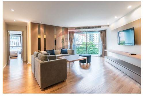 RE/MAX Executive Homes Agency's Apartment 2 Bedrooms For Rent Sathorn Narathiwas 4