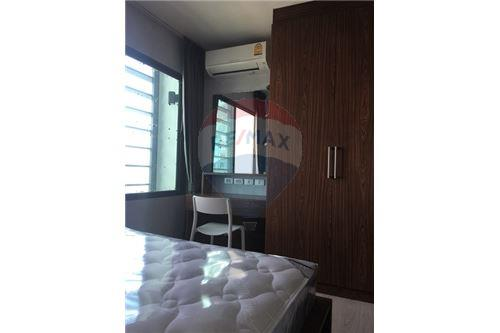 RE/MAX Executive Homes Agency's Rhythm Asoke beautiful rooms for rent. City views. 3