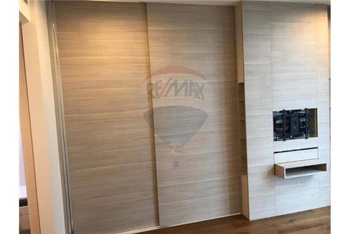 RE/MAX Executive Homes Agency's Spacious 1 Bedroom for Sale The Bangkok Sathorn 2