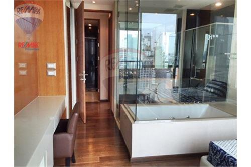 RE/MAX Properties Agency's FOR SALE  THE ADDRESS SUKHUMVIT 28  2BED 70SQM 8