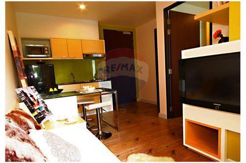 RE/MAX Properties Agency's RENT Click Condo Sukhumvit 65 1BED 35SQM. 1