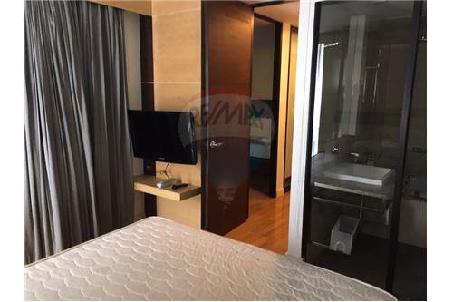 RE/MAX Executive Homes Agency's Nice 2 Bedroom for Rent Quad Silom 1
