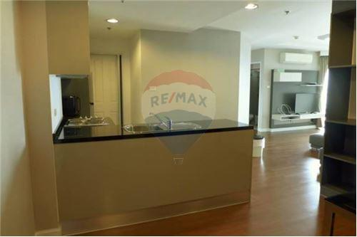 RE/MAX Executive Homes Agency's Spacious 2 Bedroom for Rent Belle Grand Rama 9 2