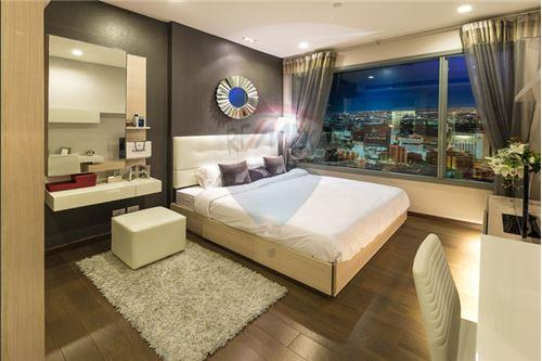 RE/MAX Executive Homes Agency's Q Asoke for sale 2 bedroom 60 sqm, 3