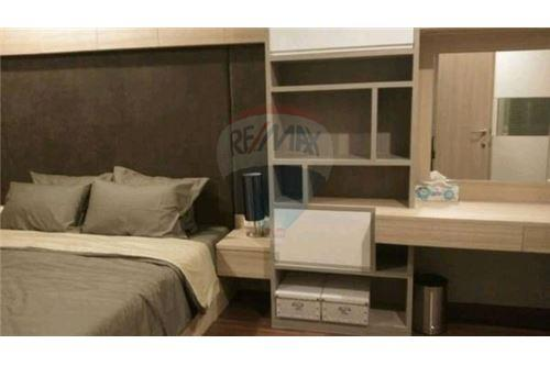 RE/MAX Executive Homes Agency's Spacious 1 Bedroom for Sale Supalai Premier Place 2