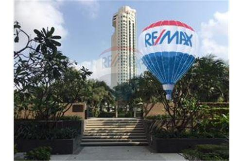 RE/MAX Properties Agency's FOR SALE  THE RIVER    2 BED 78SQM 20