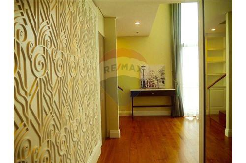 RE/MAX Properties Agency's Sale Bright Sukhumvit 24 3BED 179SQM. 15