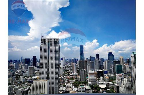 RE/MAX Properties Agency's For Sale   State Tower   1 Bedroom 25