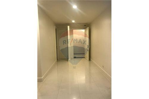 RE/MAX Executive Homes Agency's Spacious 3 Bedroom for Rent Royce Residence 5