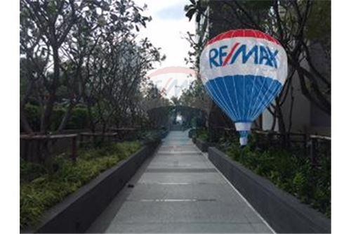 RE/MAX Properties Agency's FOR SALE  THE RIVER    2 BED 78SQM 25