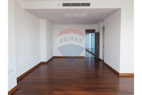 RE/MAX Properties Agency's RENT Supalai Prima Riva 4BED 355.55SQM. 7