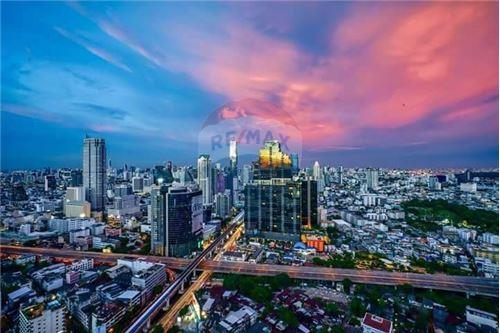 RE/MAX Executive Homes Agency's Rhythm Sathorn for rent 2