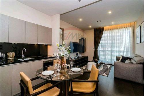 RE/MAX Executive Homes Agency's Stunning 1 Bedroom for Sale XXXIX by Sansiri 4