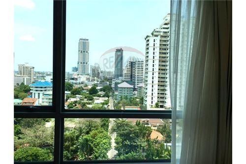 RE/MAX Properties Agency's RENT H Sukhumvit 43 2BED 60SQM. 1