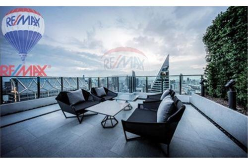 RE/MAX Properties Agency's FOR SALE Noble Ploenchit 1BED 44.56 SQM. 5