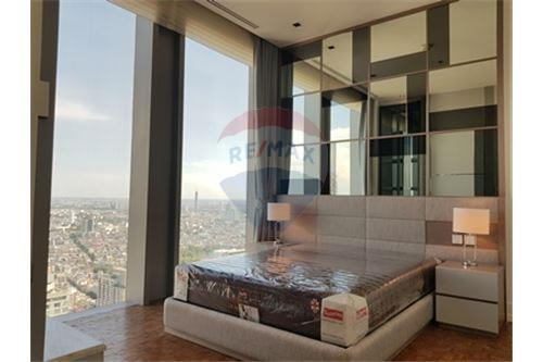 RE/MAX Properties Agency's RENT MahaNakhon Tower 2BED 124SQM. 1