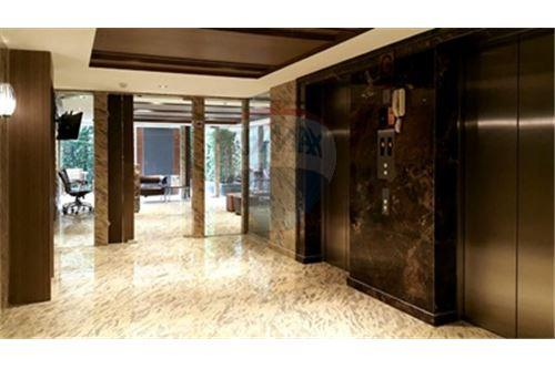 RE/MAX Properties Agency's Beautiful unit 2 bedroom for Rent at Art@Thonglor 5