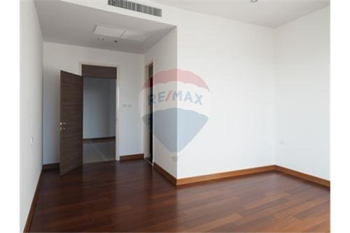 RE/MAX Properties Agency's RENT Supalai Prima Riva 4BED 355.55SQM. 19