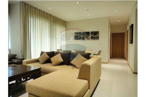 RE/MAX Executive Homes Agency's The Emporio Place / 2 Bedrooms / For Rent 6