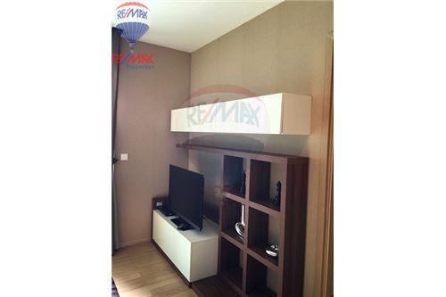 RE/MAX Properties Agency's FOR RENT Siri at Sukhumvit 1BED 52SQM. 4