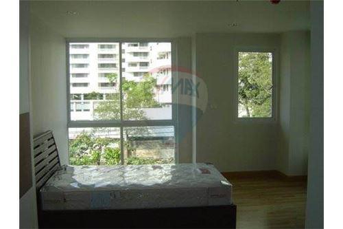 RE/MAX Properties Agency's 2bedrooms nice view Serene Place Sukhumvit 24 2