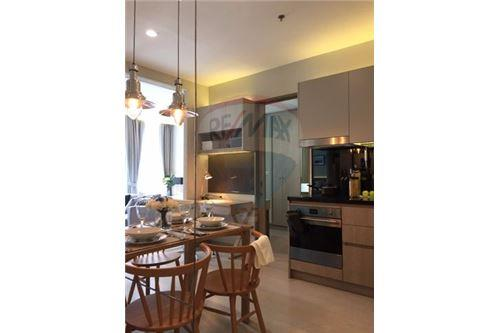 RE/MAX Executive Homes Agency's Stunning 1 Bedroom for Rent Noble Phloenchit 7