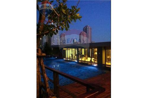 RE/MAX Properties Agency's RENT XVI The Sixteenth Condominium 15
