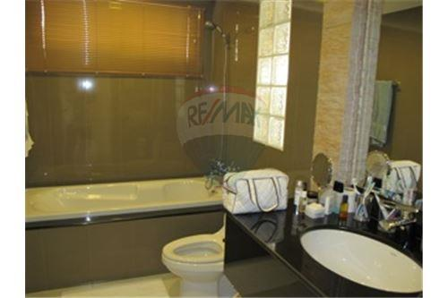 RE/MAX Executive Homes Agency's Prime Mansion Sukhumvit 31 / 2 Bed / For Sale 7