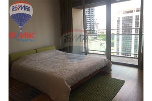 RE/MAX Properties Agency's FOR SALE & RENT The Madison 2BED 152SQM. 5