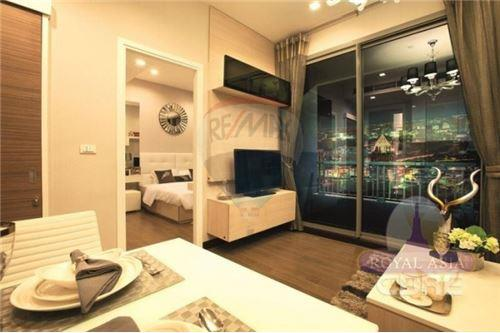 RE/MAX Executive Homes Agency's Q Asoke for sale 2 bedroom 60 sqm, 1