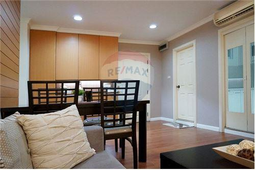 RE/MAX Executive Homes Agency's Lovely 2 Bedroom for Rent Lumphini Suite 41 4