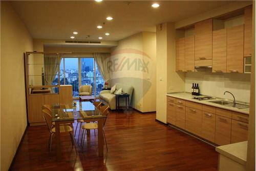 RE/MAX Properties Agency's Noble Ora 2bed 2bath 2