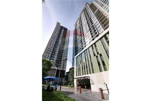 RE/MAX Executive Homes Agency's Nice 2 Bedroom for Sale Fuse Chan Sathorn 8