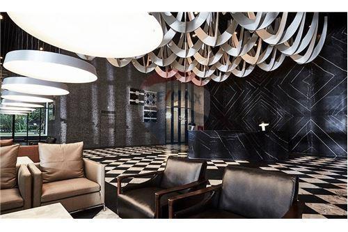 RE/MAX Properties Agency's 1 bed high floor for rent 50,000 Baht!!! 8