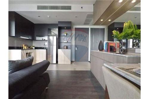 RE/MAX Executive Homes Agency's Beautiful 1 Bedroom for Rent Edge 23 4